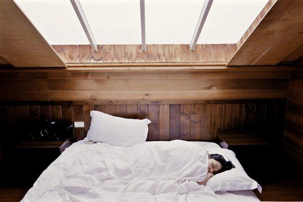 Aménagement d'un grenier en chambre : comment faire ?