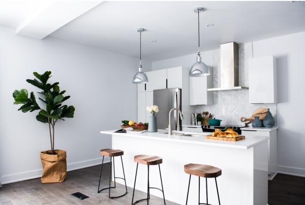 Quelle couleur associer au gris pour une cuisine?